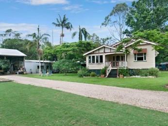 View profile: QUEENSLANDER HOME ON 8 ACRES